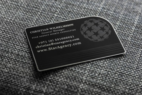 carte-de-visite-design-en-metal